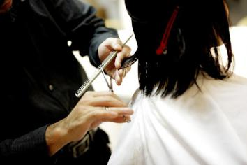 Breaking: Hairdressers, barbers and beauty salons can open from July 6
